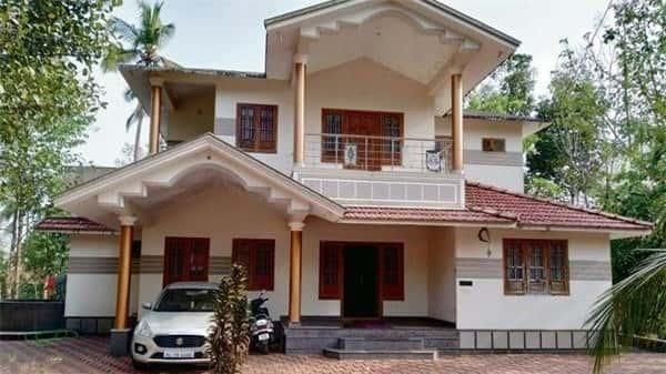 nhà có cửa chính thông đối cửa hậu